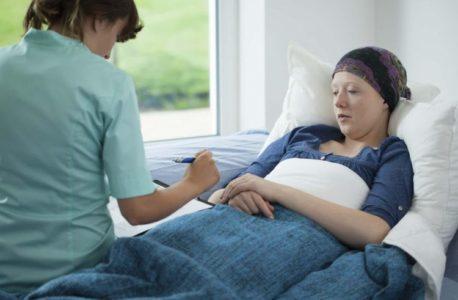 Santé à domicile vs soins à domicile non médicaux